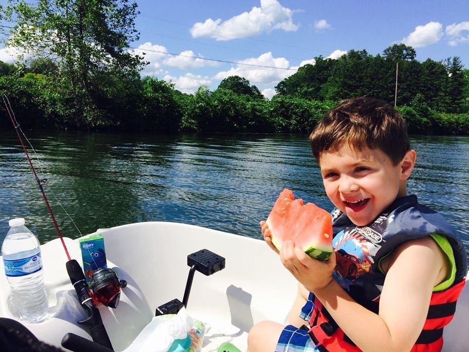Boating at Lake Logan